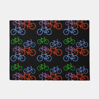 Modelo colorido de las bicicletas felpudo