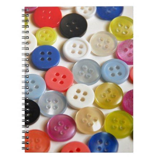 Modelo colorido de los botones libretas