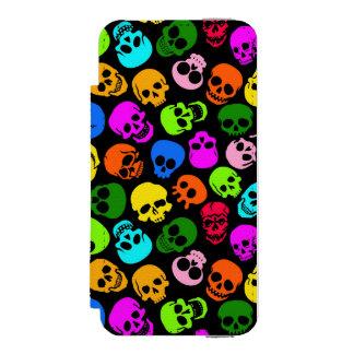 Modelo colorido de los cráneos en negro funda billetera para iPhone 5 watson
