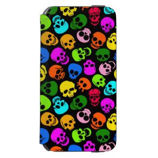 Modelo colorido de los cráneos en negro funda billetera para iPhone 6 watson
