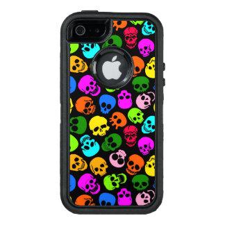Modelo colorido de los cráneos en negro funda otterbox para iPhone 5/5s/SE