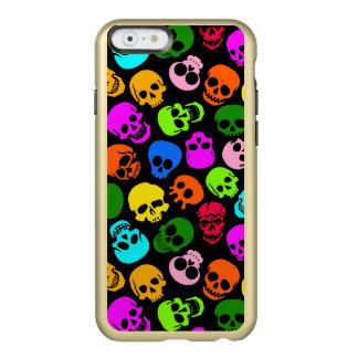 Modelo colorido de los cráneos en negro funda para iPhone 6 plus incipio feather shine