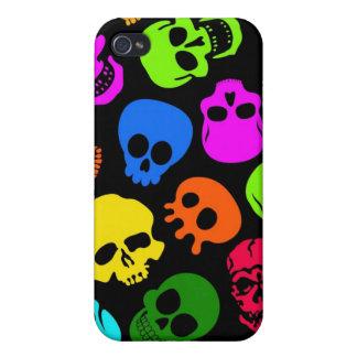 Modelo colorido de los cráneos en negro iPhone 4/4S funda