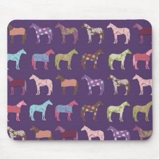 Modelo colorido del caballo tapetes de ratón
