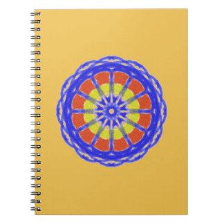 Modelo colorido del círculo del caleidoscopio libro de apuntes