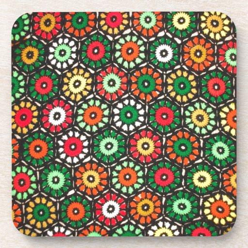 Modelo colorido del ganchillo de los círculos de l posavasos