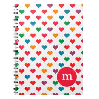 Modelo colorido lindo del corazón cuadernos