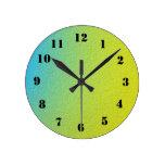 Modelo colorido reloj redondo mediano