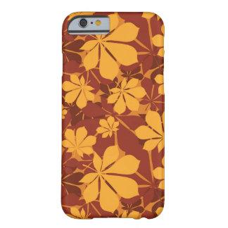 Modelo con las hojas de la castaña del otoño funda barely there iPhone 6