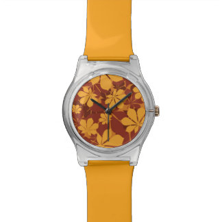 Modelo con las hojas de la castaña del otoño relojes de mano
