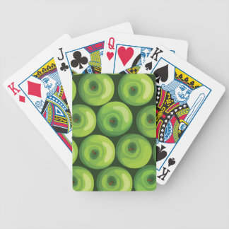 Modelo con las manzanas verdes baraja cartas de poker