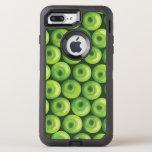 Modelo con las manzanas verdes funda OtterBox defender para iPhone 7 plus