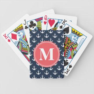 Modelo con monograma del ancla de los azules barajas de cartas