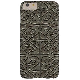 Modelo conectado piedra tallado del Celtic de los Funda Para iPhone 6 Plus Barely There