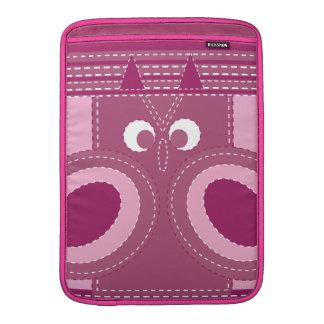 Modelo cosido búho rosado púrpura bonito de la mir funda  MacBook