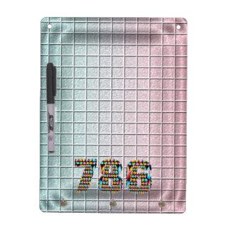 Modelo cuadrado del número   786 afortunados pizarra