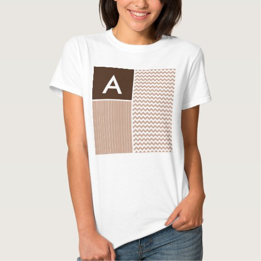 Modelo de Brown Chevron T-shirts