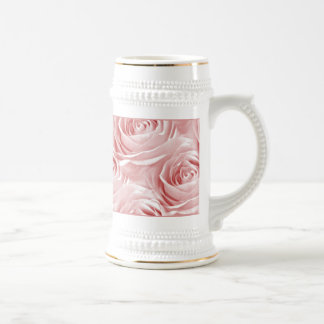 Modelo de centro color de rosa rosado del papel pi jarra de cerveza