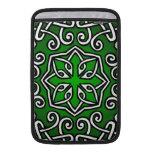 Modelo de estilo celta en verde fundas MacBook
