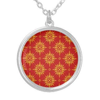 Modelo de estrella amarillo y rojo grimpolas personalizadas