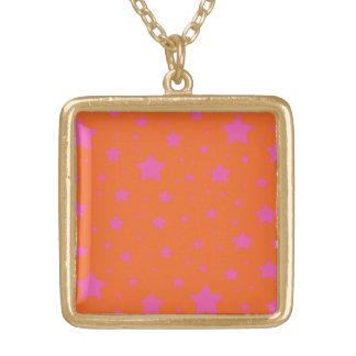 Modelo de estrellas anaranjado y rosado colgante cuadrado