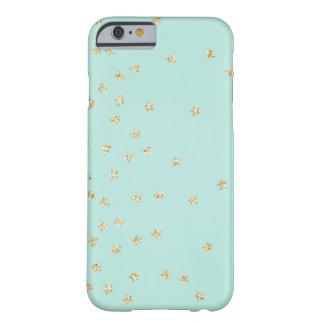 Modelo de estrellas de la menta y del oro funda de iPhone 6 barely there
