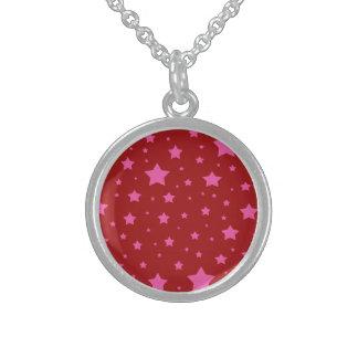 Modelo de estrellas rojo y rosado collar de plata esterlina