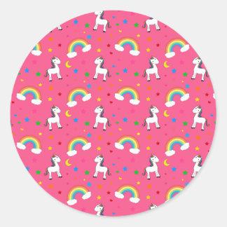 Modelo de estrellas rosado de los corazones del etiquetas redondas