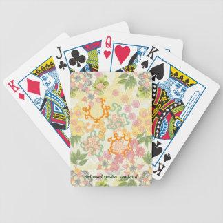 Modelo de flores de la cabaña del verano baraja de cartas