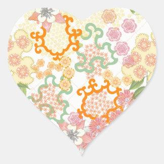 Modelo de flores de la cabaña del verano pegatina en forma de corazón