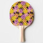 Modelo de flores del Gerbera, fondo Pala De Ping Pong