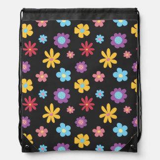 Modelo de flores enrrollado de la primavera de la mochilas