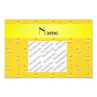Modelo de goma amarillo conocido personalizado del fotografía