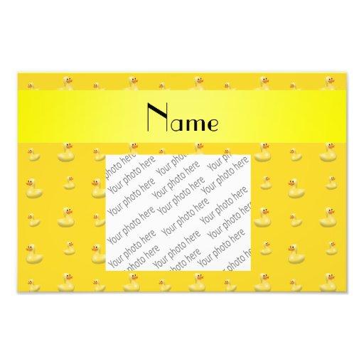 Modelo de goma amarillo conocido personalizado del arte con fotos