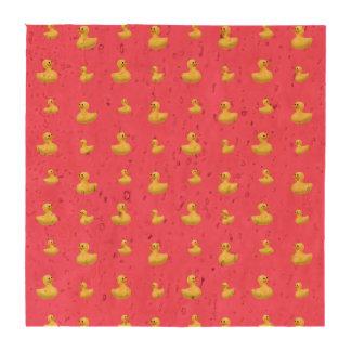 Modelo de goma rosado del pato posavasos