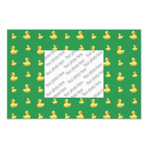 Modelo de goma verde del pato arte fotografico
