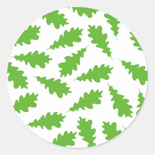 Modelo de hojas verdes etiqueta redonda