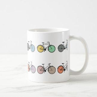 Modelo de la bicicleta del vintage taza básica blanca