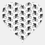 Modelo de la bicicleta en blanco y negro. calcomania de corazon personalizadas
