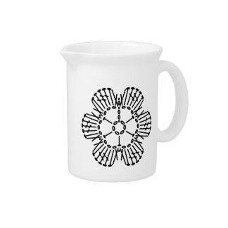 Modelo de la carta del ganchillo de la flor - jarra de beber