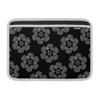 Modelo de la carta del ganchillo de la flor (negro fundas para macbook air