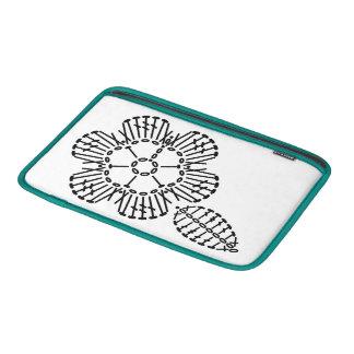 Modelo de la carta del ganchillo de la flor y de funda  MacBook