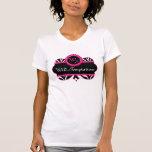 Modelo de la cebra y camiseta rosada del personali