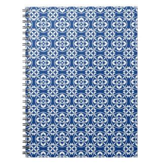 Modelo de la flor de lis en azul y blanco libretas espirales