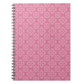 Modelo de la flor de lis en rosa libreta