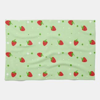 Modelo de la fresa en fondo verde toalla