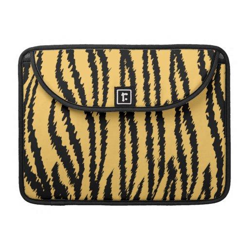 Modelo de la impresión del tigre. Naranja y negro Fundas Macbook Pro