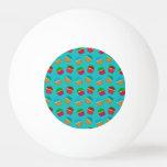 Modelo de la magdalena de la turquesa pelota de ping pong