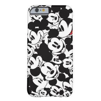 Modelo de la muchedumbre de Mickey Mouse el   Funda Para iPhone 6 Barely There