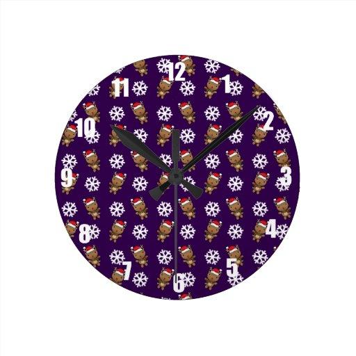 Modelo de la púrpura del copo de nieve del reno reloj redondo mediano